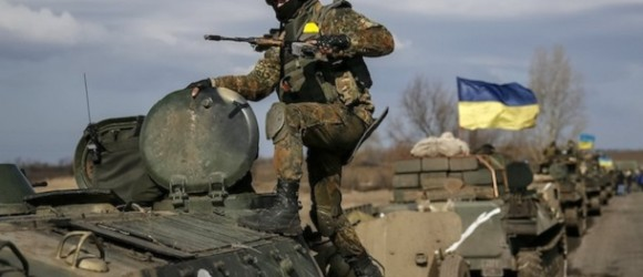 (VIDEO) Kiev Breaks Ceasefire Agreement, Begins Shelling Donetsk Again
